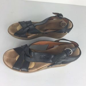 Lucky Brand Black Criss Cross Ankle Strap Sandals
